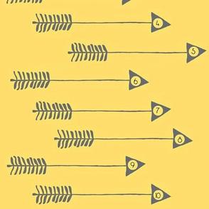 10 Little Arrows - yellow/grey