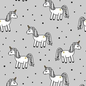 monochrome unicorns (grey)