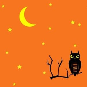 halloween owl under the moon