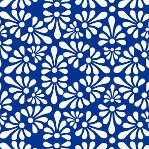 Talavera Fan Motif - White on Blue