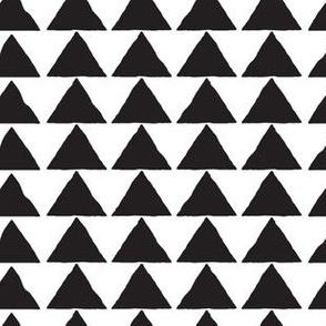 Triangles // Black & White