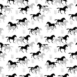 Wild horses monochrome SMALL scale