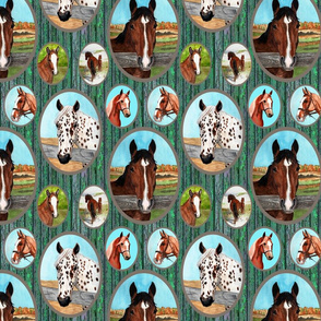 horse_portraits_barn_boards_green_8x8