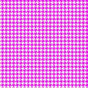 Quarter Inch Pink and White Houndstooth Check
