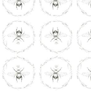 queen bee wreath