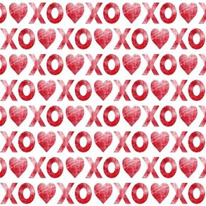 (small scale) XO♥ red // distressed