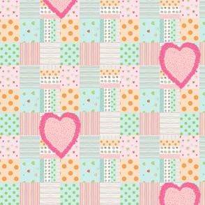 Sweet Treats quilt Vert10- Fuzzy Heart hotty pink