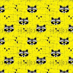 (small scale) raccoon mask || yellow