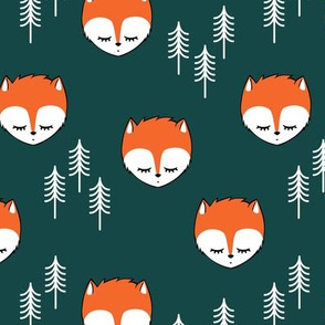sleepy fox - dark green