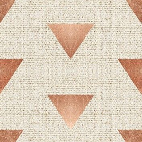 EARTHEN TRIANGLE ROSE GOLD
