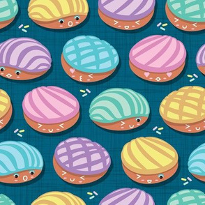 Kawaii Mexican conchas // turquoise background