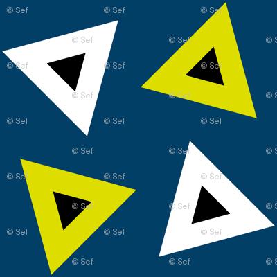 07237807 : triangle 4g : firefly
