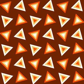07237879 : triangle 4g : candy corn