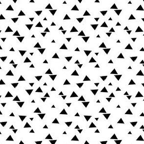 Tiny monochrome triangles