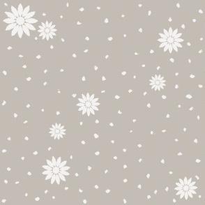 Wild Daisies: Warm Gray 7