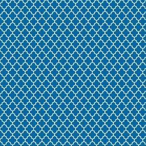 quatrefoil royal blue - small
