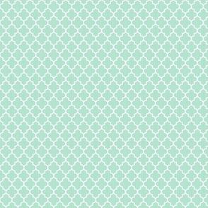 quatrefoil mint green - small