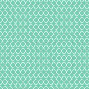 quatrefoil sea foam green - small
