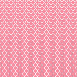 quatrefoil pretty pink - small
