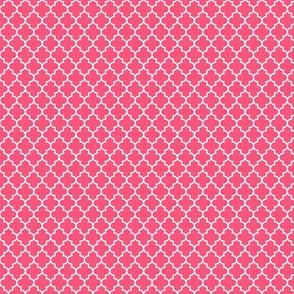 quatrefoil hot pink - small