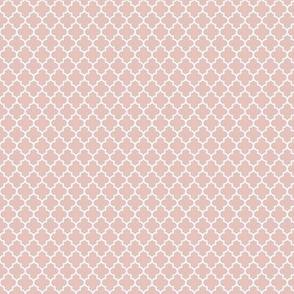 quatrefoil dusty pink - small