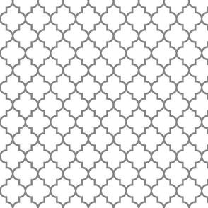 quatrefoil MED granite grey on white