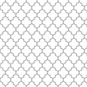 quatrefoil MED grey on white