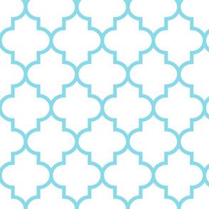 quatrefoil LG sky blue on white