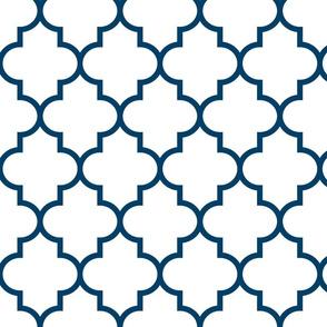 quatrefoil LG navy blue on white