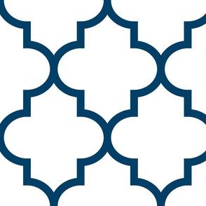 quatrefoil XL navy blue on white