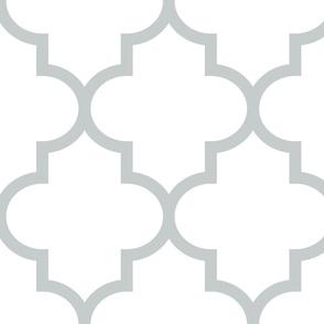quatrefoil XL sterling grey on white