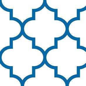 quatrefoil XL royal blue on white