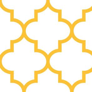 quatrefoil XL golden honey on white
