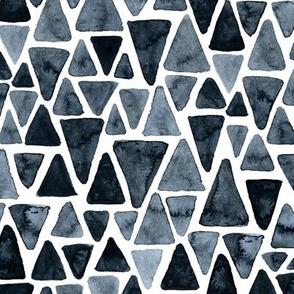 black watercolor triangles pattern