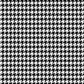 Small Black and White Houndstooth