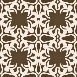 Raina, Quatrefoil, Brown and Cream, Medium
