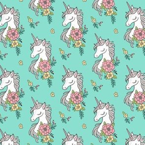 Dreamy Unicorn & Vintage Boho Flowers on Mint Smaller 2,5 inch