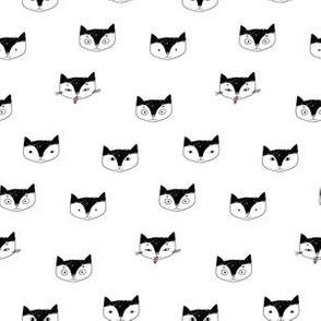 Kitty cats heads design
