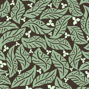 Tamnougalt green
