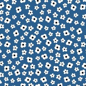 Spring Flower Pattern Blue White