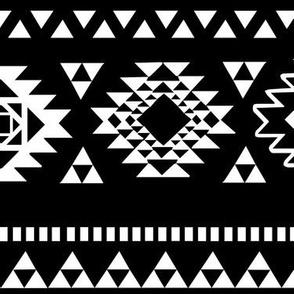 kilim black n white