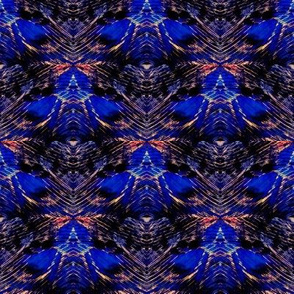Blue Star/Mothy print crop