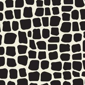 africa africa giraffe print - black