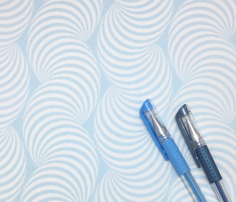 Striped Pipe Optical Illusion (Two-Way) - Light Blue