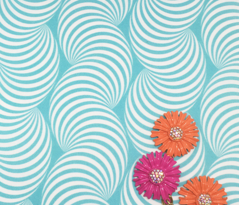 Striped Pipe Optical Illusion (Two-Way) - Turquoise