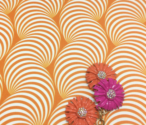 Striped Pipe Optical Illusion (One Way) - Orange