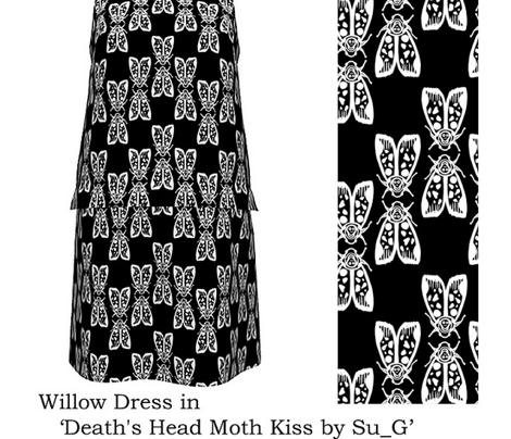 Death's Head Moth Kiss/ Totenkopf Moth Kuss (white on black) by Su_G