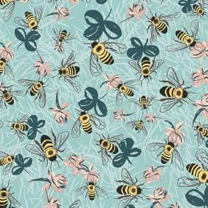 C1004_CLOVER BEE DITSY-eggshell-R