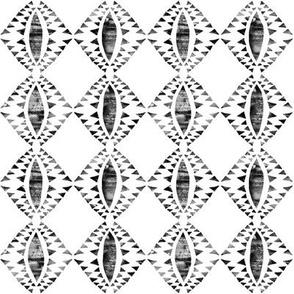 tribal triangle white_3