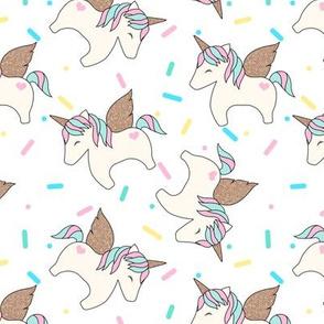 Unicorn Sprinkles White Medium